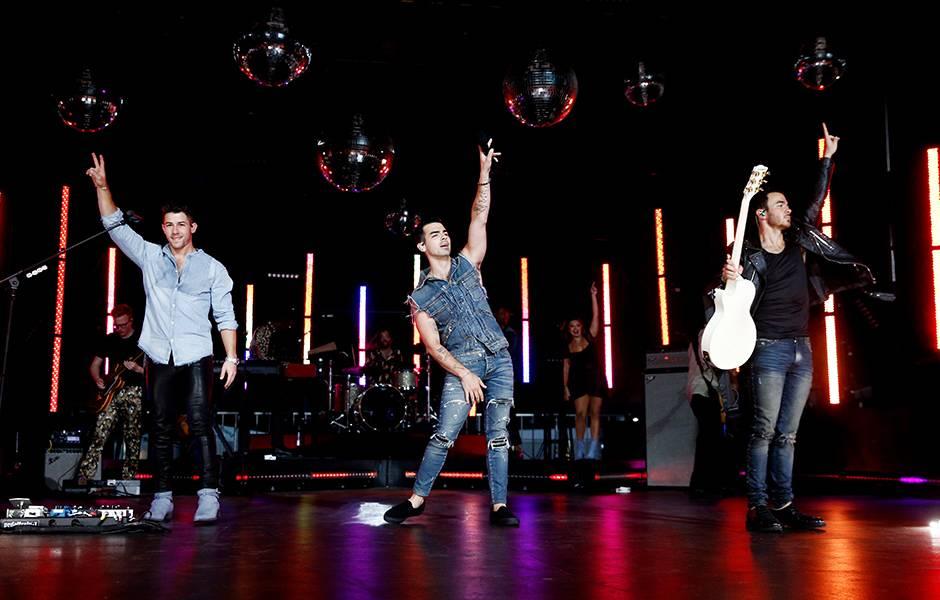 Jonas Brothers rock out at the 2019 VMAs.