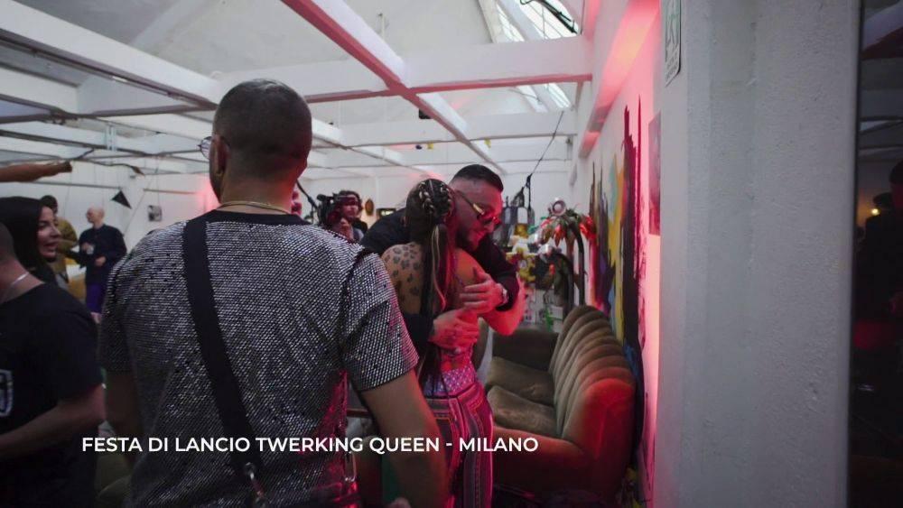 mgid:file:gsp:scenic:/international/mtv.it/Fotogallery/elettra-lamborghini-twerking-queen-episodio-3-059.jpg