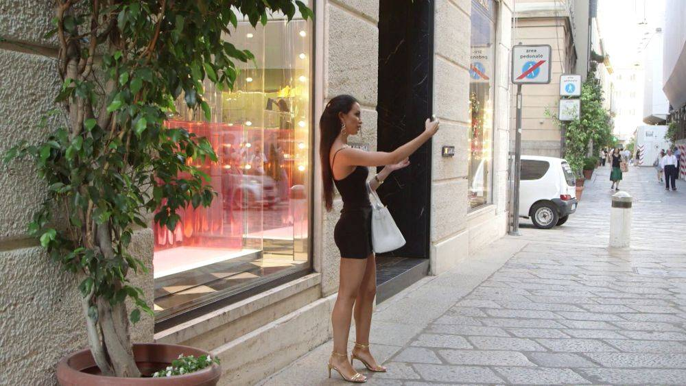 mgid:file:gsp:scenic:/international/mtv.it/Fotogallery/riccanza-deluxe-408-044.jpg