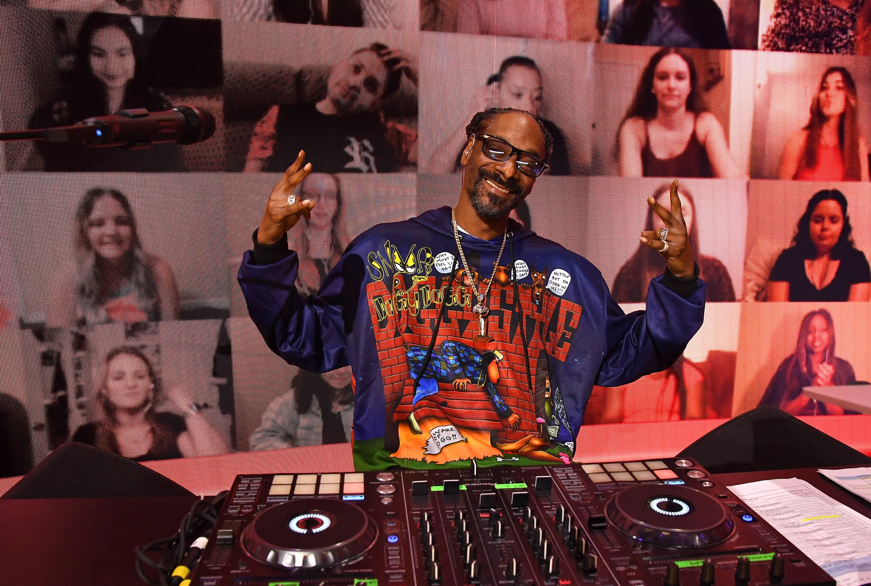 mgid:file:gsp:scenic:/international/mtv.it/Fotogallery/MTVMA_Snoop_Dogg.jpg