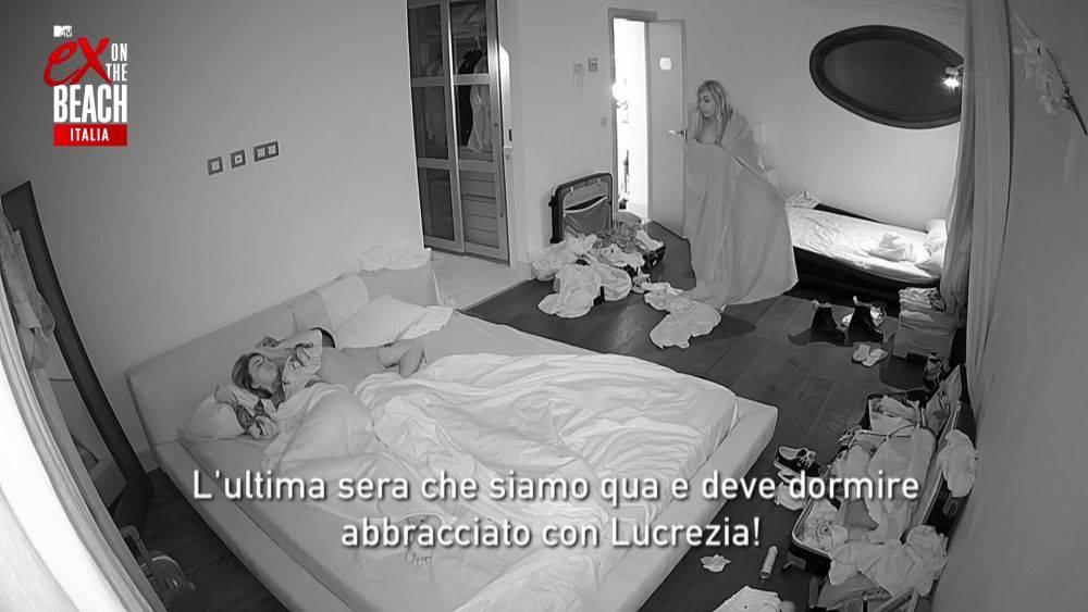 mgid:file:gsp:scenic:/international/mtv.it/Fotogallery/ex-on-the-beach-italia-stagione-2-episodio-9-112.jpg