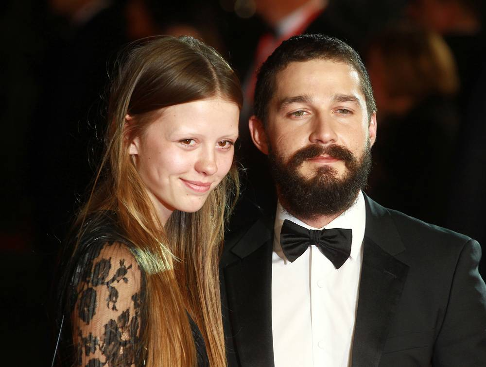 mgid:file:gsp:scenic:/international/mtv.it/Fotogallery/coppie-nate-set-Mia-goth-Shia-LaBeouf-GettyImages-457510560-2.jpg