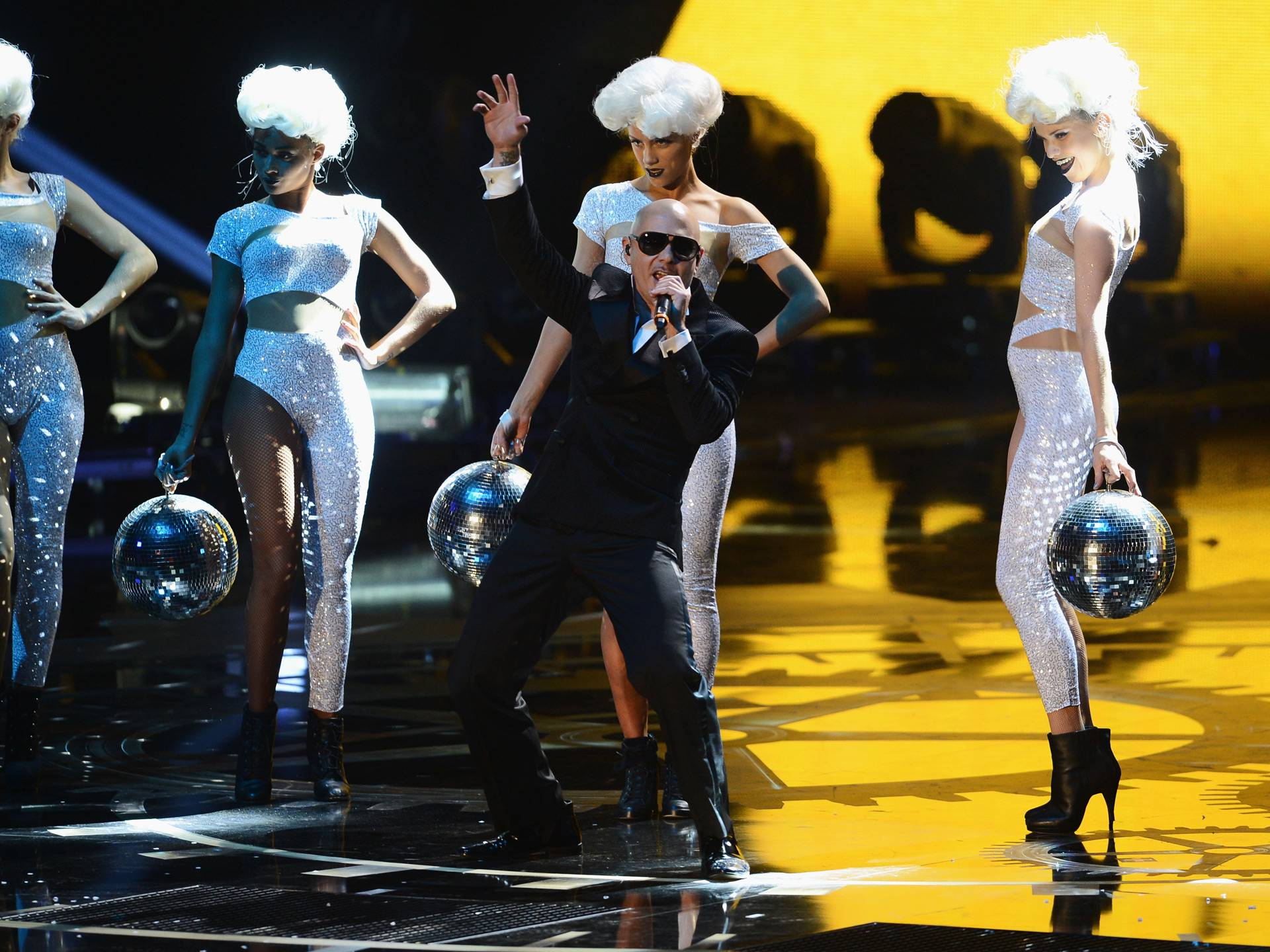 mgid:file:gsp:scenic:/international/mtvla.com/Pitbull_Getty-Images-for-MTV_156051099.jpg