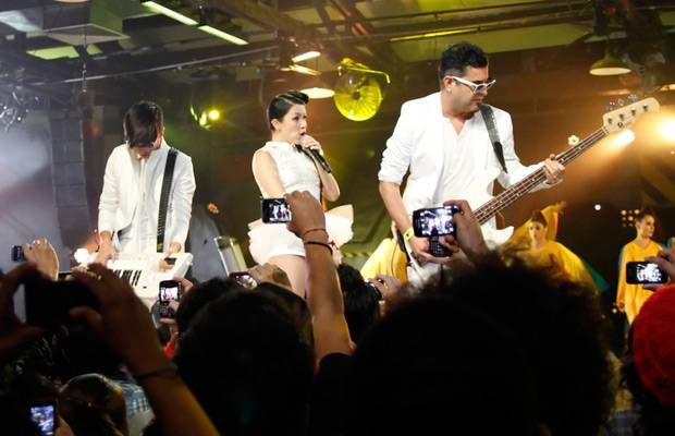 mgid:file:gsp:scenic:/international/mtvla.com/flipbooks/MTV-Game-Awards0142.jpg