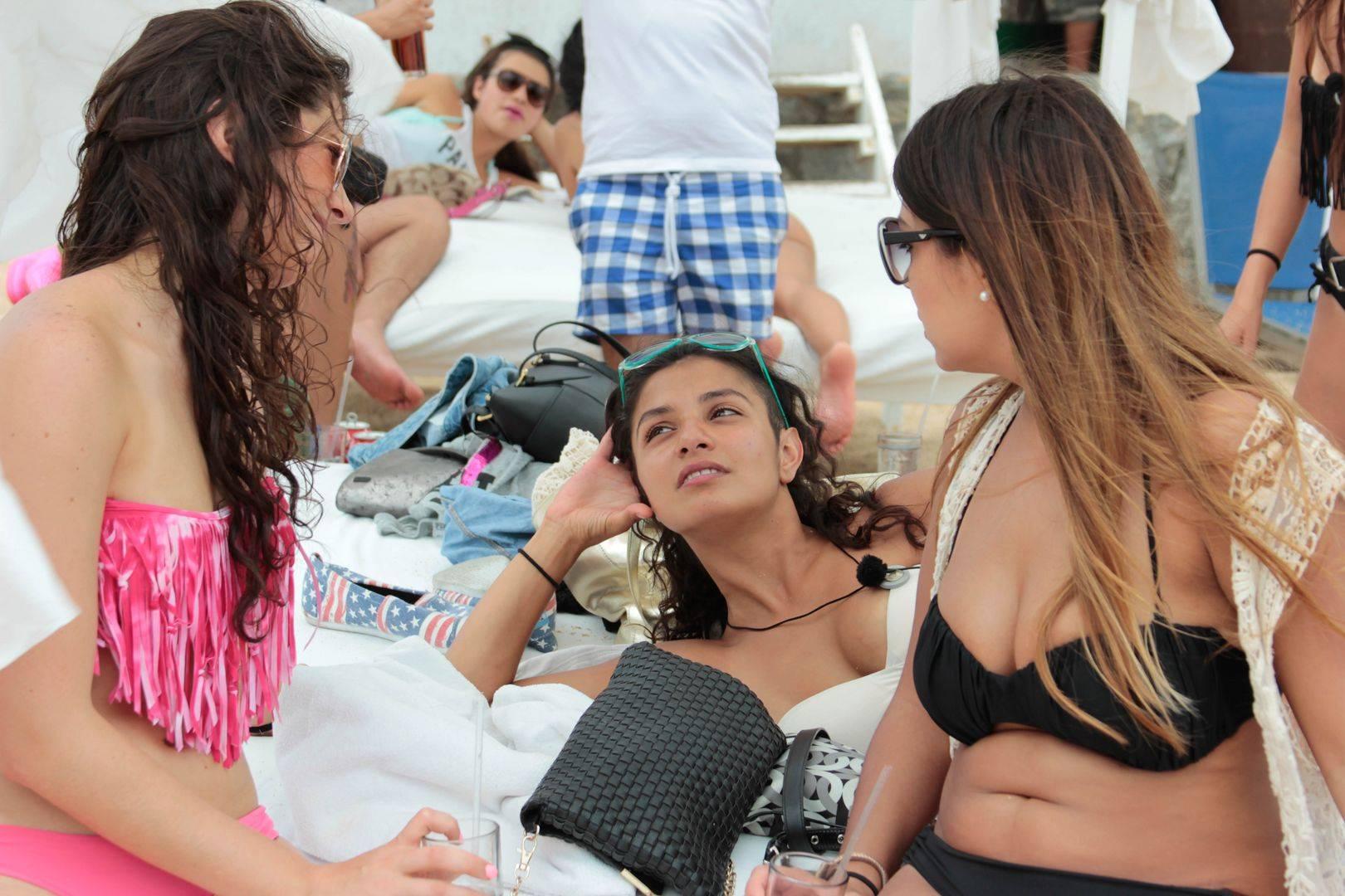 mgid:file:gsp:scenic:/international/mtvla.com/acapulco-shore/fotogalerias/episodio-9/behind/acashore_108_Behind_-2.jpg