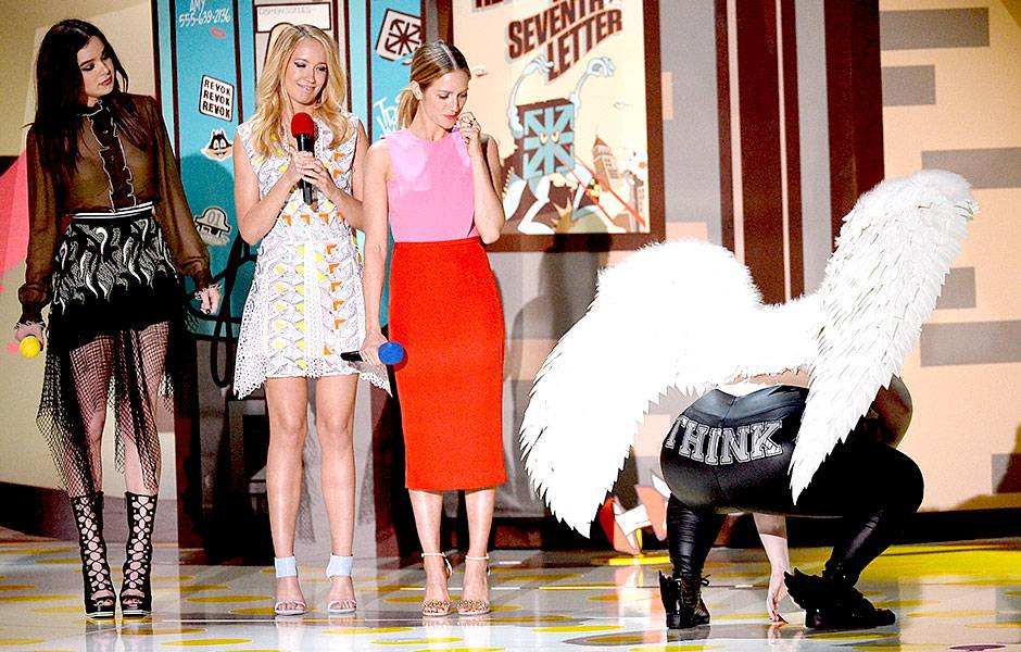 /crop-images/2015/04/12/pitch-perfect-2-hailee-steinfeld-anna-camp-brittany-snow-rebel-wilson-getty-469530748.jpg