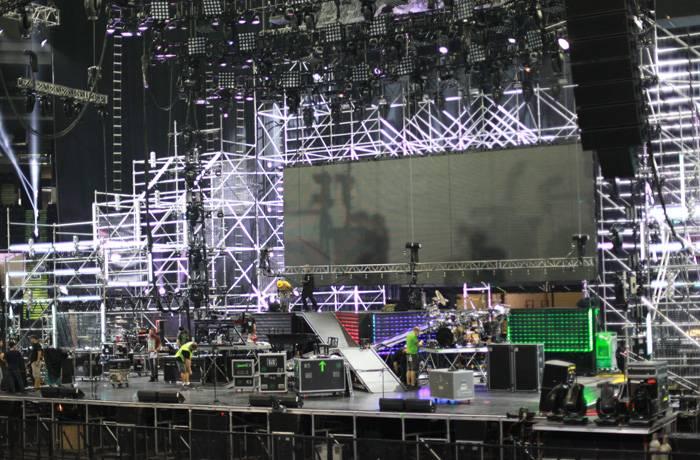 mgid:file:gsp:scenic:/international/mtvla.com/worldstage-mexico-2012/backstage-1_700x460.jpg