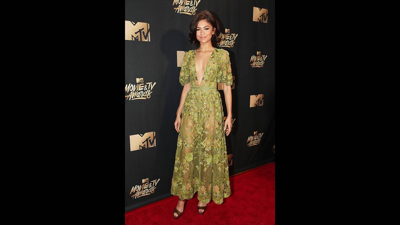 mgid:file:gsp:scenic:/international/mtvla.com-new/shows/movie-awards/redcarpet/24.jpg