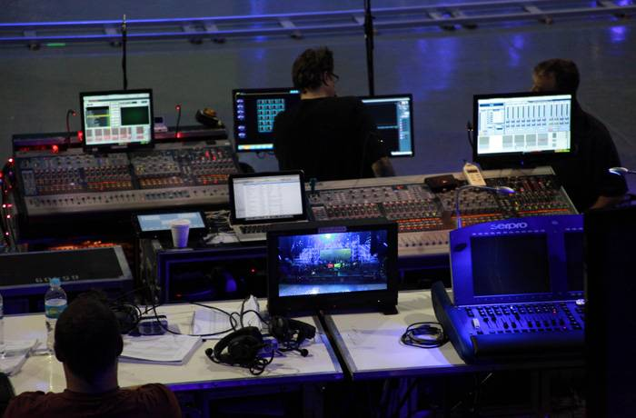 mgid:file:gsp:scenic:/international/mtvla.com/worldstage-mexico-2012/backstage-11_700x460.jpg