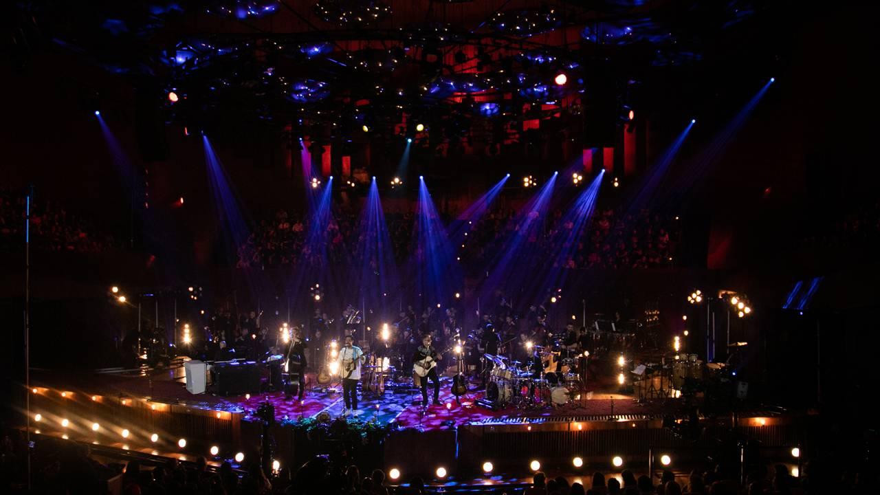 mgid:file:gsp:scenic:/international/mtvla.com-new/shows/mtv-unplugged/521A0060.jpg