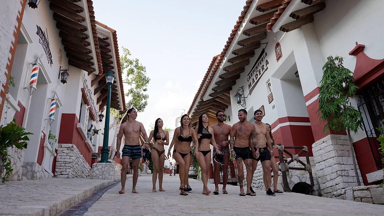 mgid:file:gsp:scenic:/international/mtvla.com-new/fotogalerias/2017/acapulco-shore/aca-shore-4-epiosodio8-17.jpg