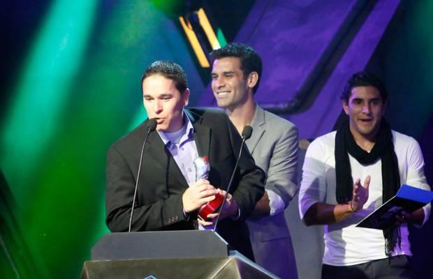 mgid:file:gsp:scenic:/international/mtvla.com/flipbooks/MTV-Game-Awards0222.jpg