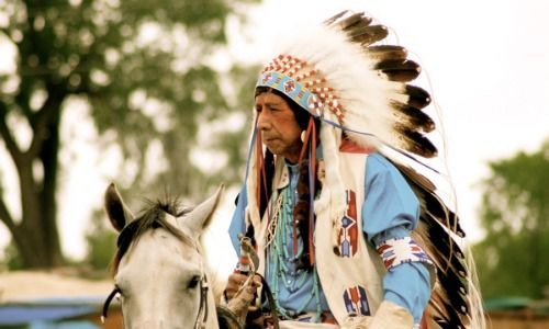 Here's Why You Shouldn't Wear A Native American Headdress - MTV