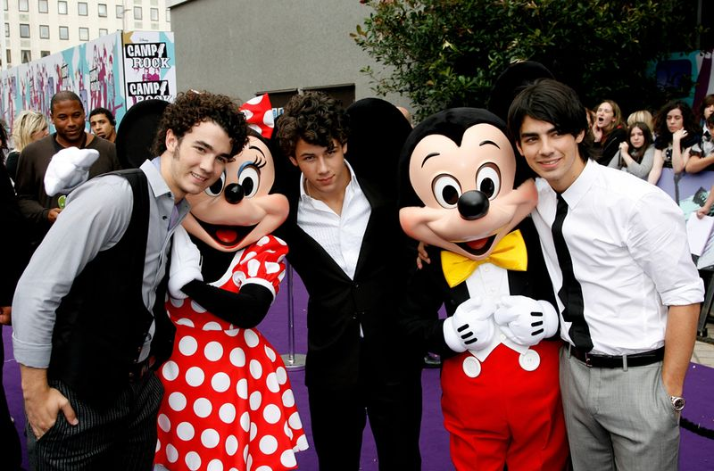 celebrate 6 years of camp rock with these throwback photos mtv