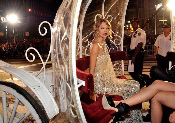 61 Times Taylor Swift (A K A  Slaylor Swift) Slayed The VMAs