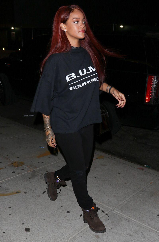 Omg Rihanna S Bright Red Hair Is Back Mtv