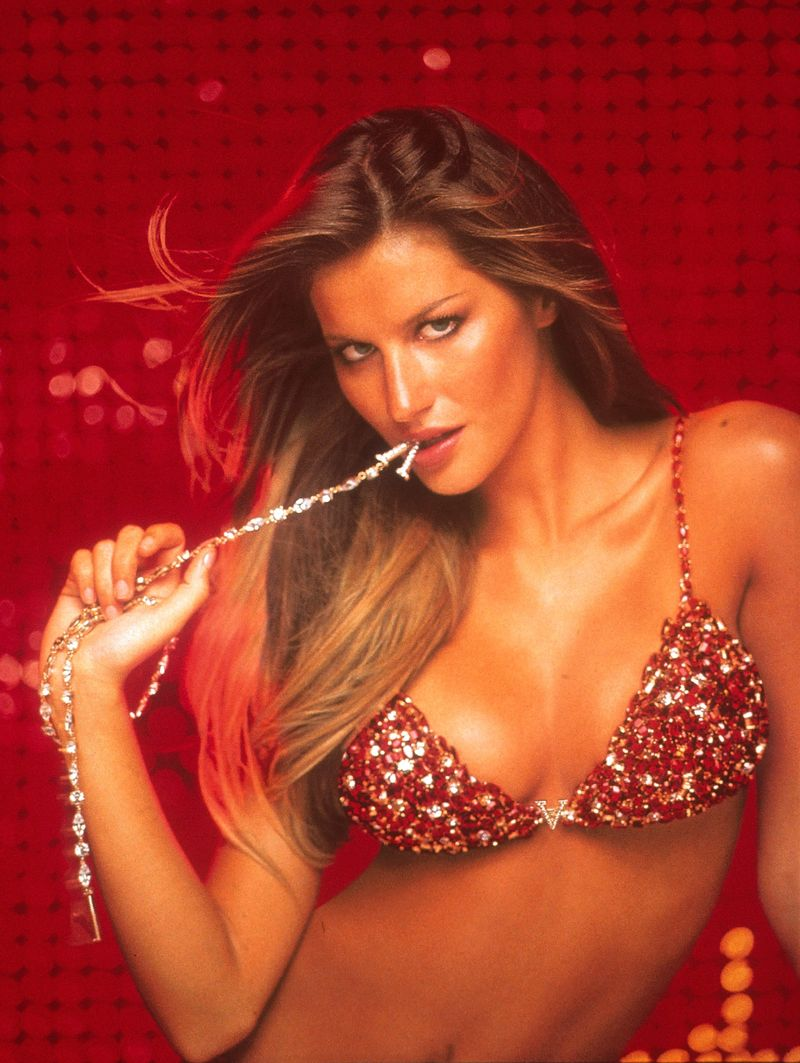 e3658040d38b1 7 Surprising Facts You Didn t Know About Victoria s Secret s Fantasy ...